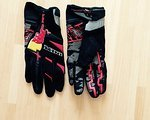 Kini Red Bull Revolution Gloves - NEU