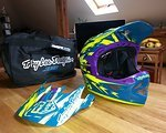 Troy Lee Designs D3 Helm Thunder Turquoise/Yellow XL (wie L)