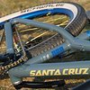 Santa Cruz Jackal Custom Dirt-Street Bike / Noa 120 Klicks / Rock Shox Pike DJ / Truvativ Descendant / Patrol Chrome / Bike-Lädle / Noahubs