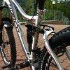 """Norco Range 2012 26"""" Sitzstrebe Aluminium raw mit braunen Decals"""