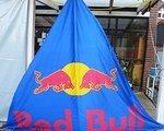 Red Bull Banner 2,50 x 2,50 x 2,50 Meter mit Ösen