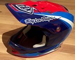 Troy Lee Designs D3 Helm rot/blau/weiss Composite, in XL