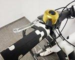 .. Fahrradklingel Veloglocke Laut & Leicht Mit robustem Schwenkklöppel, der um 360° drehbar ist.