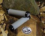 Renthal Lock-On Griffe 130mm -hellgrau/soft-