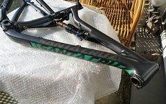 Santa Cruz Solo C / 5010 M schwarz stealth mit Vorsprung Corsett / Fox Float CTD