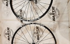 Shimano Laufradsatz MT35 27,5 Neu 15x100 9x135