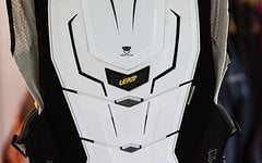 Leatt Body Vest Leatt Adventure L/XL, White, 172-184cm, Neckbrace Ready