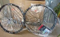 Dt Swiss R 32 Spline® Db Road Disc Laufradsatz NEU und OVP - DT Swiss R 32 SPLINE® DB Road Disc Laufradsatz