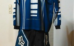 Fox DH-Shirt und Hose