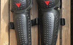 Dainese Performance Knee Guard - black
