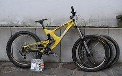 Neue Preis 1500€ Downhill Bike Intense M9 FRO 2012 (M)