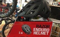 Kellys Bicycles Razor Enduro Helm MIPS *NEU mit Rechnung*