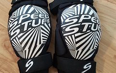 Speed Stuff - Knieschutz Größe S - Knieschoner