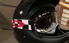Oakley Goggle / Schutzbrille - schwarz weiß rot