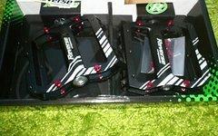 Reverse Components Escape Pro Pedal, verschiedene Farben, Weekend Deal + 10% Rabatt