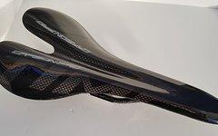 Carbon Sattel *glossy black* nur ca. 108g Vollcarbon lackiert  Echtcarbon