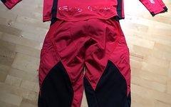 Troy Lee Designs SE Pro Jersey und Hose in rot