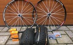 """DT Swiss XM1550 Tricon Laufradsatz 26""""mit Reifen & Schläuchen"""