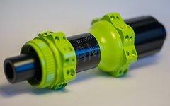 DT Swiss Hügi 350 HR 28Loch 142x12mm Centerlock grün StraightPul