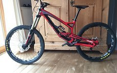 "YT Industries TUES CF Pro 2015 Carbon in rot und  ""L"""