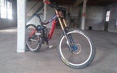 Giant Glory 2 Gr.M 2014 Schwarz/Rot DH ENDURO MTB FOX