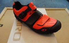 Giro Terraduro Gr 44 glowing red / black