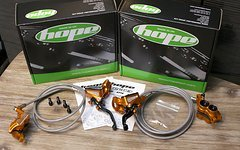 Hope Tech3 V4 Bremsanlage V/H ORANGE *NEU*