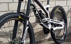 YT Industries TUES CF Comp. Modell 2015 weiss/schwarz