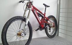 Morewood Izimu 2011  DHX Boxxer WC