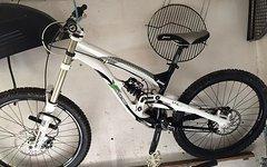 YT Industries YT Tues DH Downhillbike Gr.L