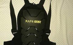 Safe Max Rückenprotektor - erfüllt Motorradnorm EN-1621-2