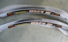 Sun Ringlé 2 x Felge MTB Mach 4 L7 silber 26zoll 32Loch Retro Kult