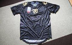 Jett kurzarm Jersey / Trikot MTB Downhill Freeride Enduro Bike Progressive NEU mit Etikett, schwarz/gold in der Größe L