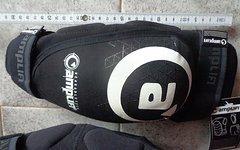 Amplifi Joint Knieprotektoren Größe Large Neu