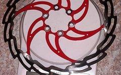 XLC Bremsscheibe 180 mm / 6-Loch / silber-rot / hohe Wärmestandfestigkeit