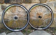 """Syncros Race27 Rennrad Laufradsatz 28"""" mit Continental UltraSport 25-622 *wie neu*"""