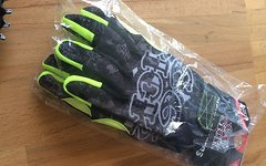 66Sick Sicky Fingers Handschuhe Größe M NEU