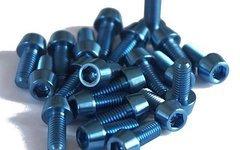 Tuning Pedals Titan Schrauben M5 x 8 / 10 / 12 / 14 / 16 / 18 / 20 / 25 / 30 / 35 / 40 / 45 / 50 mm DIN912 konisch, Grade 5 - blau