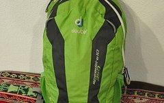 Deuter Speedlite 10 350 Rucksack (grün)