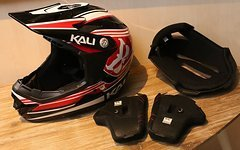 Kali Youth Fullface Helm schwarz/rot (52-53cm) *NEU*