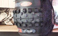 Intense Reifen Set inkl. Schläuche von Maxxis und Schwalbe