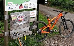 Banshee Prime Gr. L Neon Orange 29er Enduro / All Mountain  *****