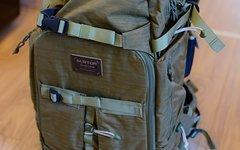 Burton F-Stop 28l Drab Crinkle Fotorucksack