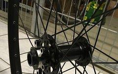 Rocky Mountain Boost 110x15mm Vorderrad Alex Volar Felge 30mm