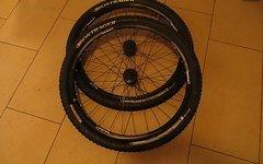 "Bontrager 26"" Rhythm Elite Wheelset Tubeless With Tyres"
