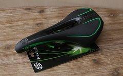 Reverse Components AM Ergo Sattel black/green *NEU*