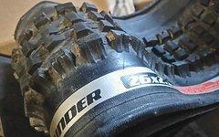 Specialized Chunder 26x2,3 Downhill Reifen Faltreifen