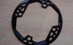 Absolute Black NEU absoluteBLACK Kettenblattschutzring / Bashguard / Bashring für Kettenblätter mit 26-32 Zähnen, 4-Loch, 104 mm, schwarz