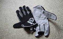 Jett glove NEU mit Etikett MTB Downhill Enduro Freeride Bike Progressive Handschuhe, schwarz/grau in der Größe M