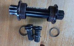 Xx Light-Bikes Innenlager Carbon, gebraucht, ISIS, 120g, 68/73mm